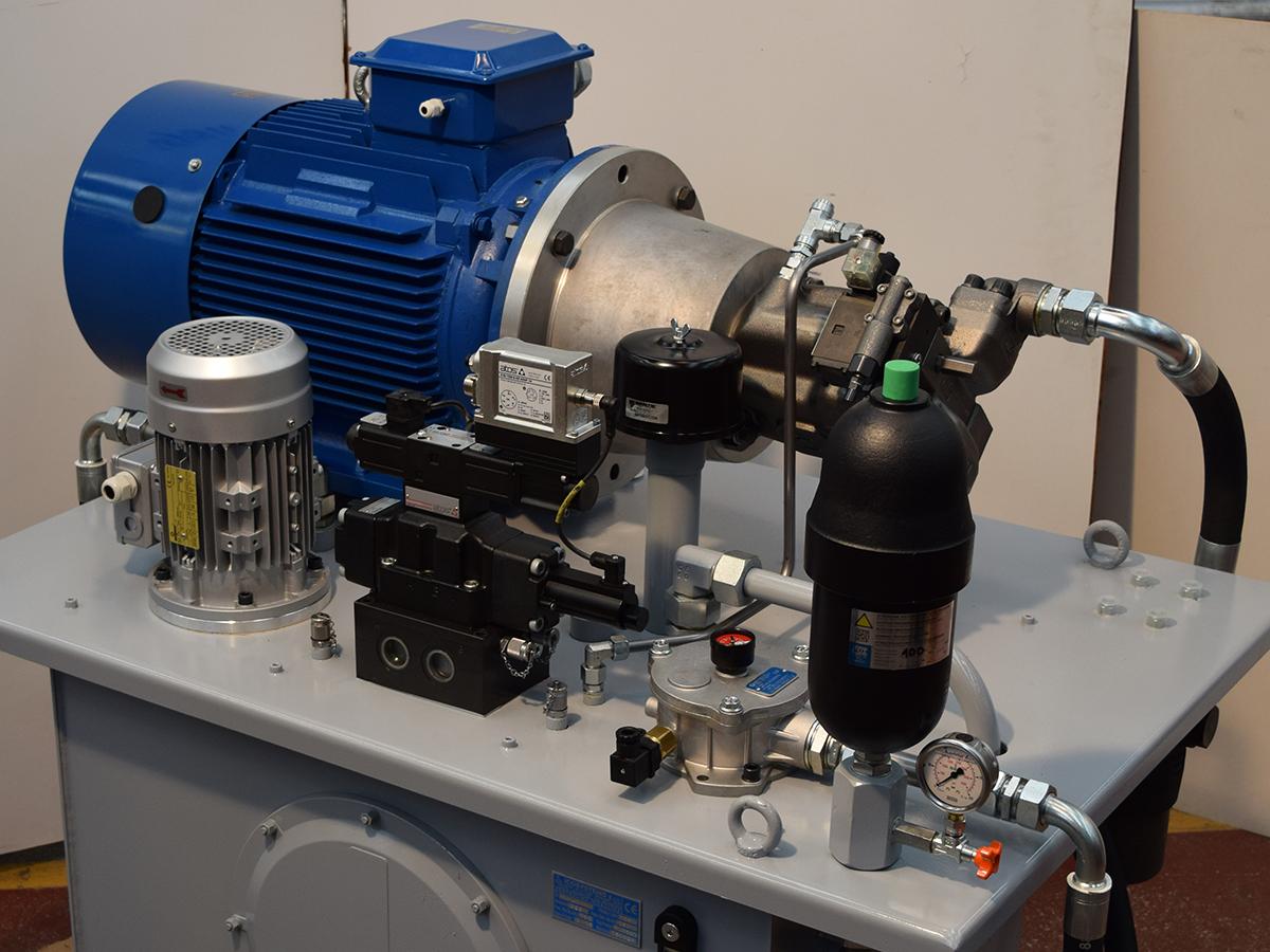 centrale a comando elettronico proporzionale per movimentazione asse