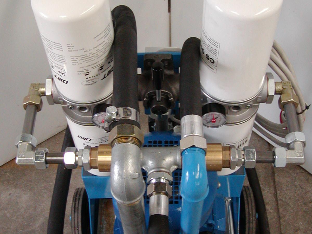 costruzione gruppi di filtraggio olio altissima viscosità gruppo motoriduttore mulino macina pietre